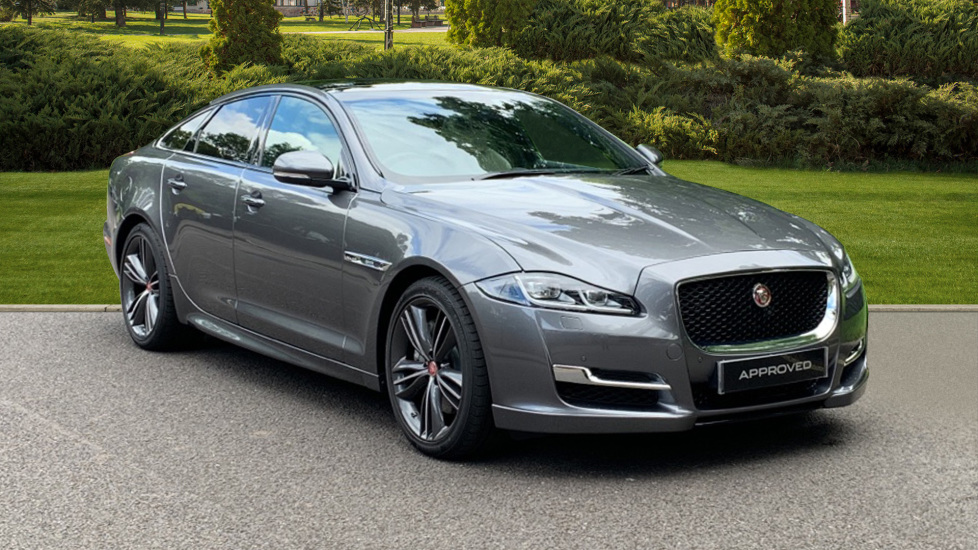 Jaguar XJ 3.0d V6 R-Sport - Sliding Panoramic Roof - Privacy Glass Diesel Automatic 4 door Saloon (2019) image
