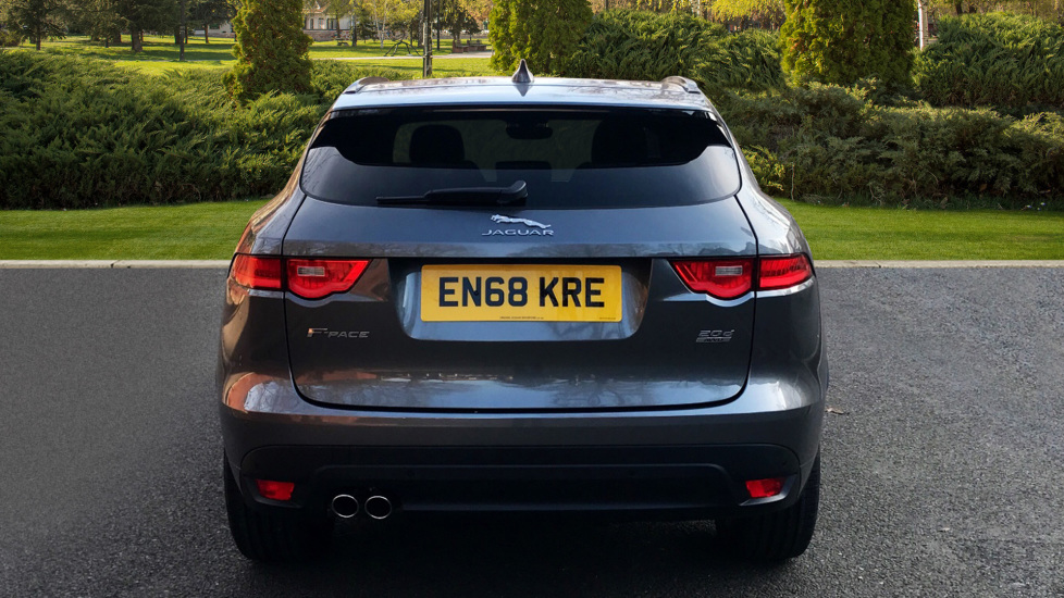 Jaguar F-PACE 2.0d R-Sport 5dr AWD - Fixed Panoramic Roof - Privacy Glass -  image 6