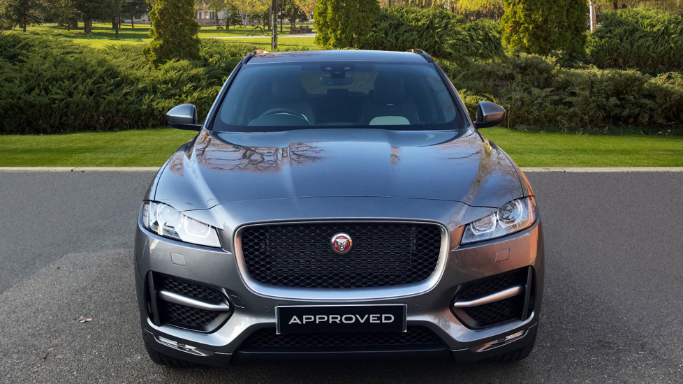 Jaguar F-PACE 2.0d R-Sport 5dr AWD - Fixed Panoramic Roof - Privacy Glass -  image 7