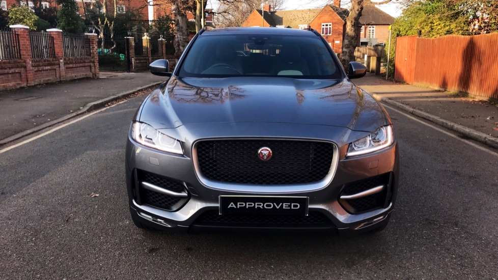 Jaguar F-PACE 2.0d R-Sport 5dr AWD - Fixed Panoramic Roof - Privacy Glass -  image 32