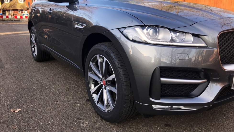 Jaguar F-PACE 2.0d R-Sport 5dr AWD - Fixed Panoramic Roof - Privacy Glass -  image 33