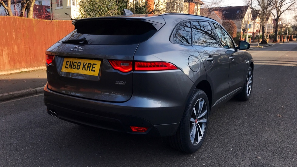 Jaguar F-PACE 2.0d R-Sport 5dr AWD - Fixed Panoramic Roof - Privacy Glass -  image 35