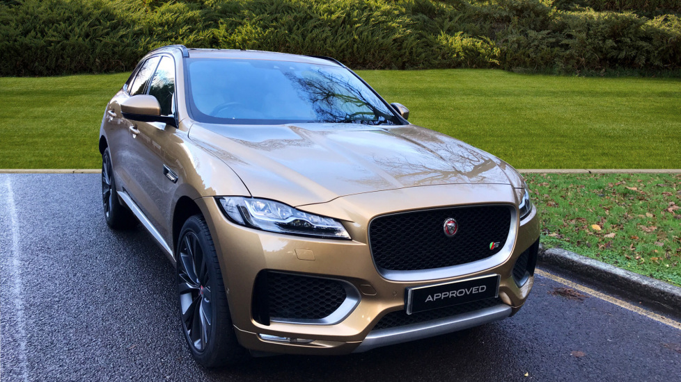 Jaguar F-PACE 3.0 V6 Diesel 300PS 2017MY - Privacy Glass - Fixed Panoramic Roof - Head up Display -  Diesel Automatic 5 door Estate (2016) image