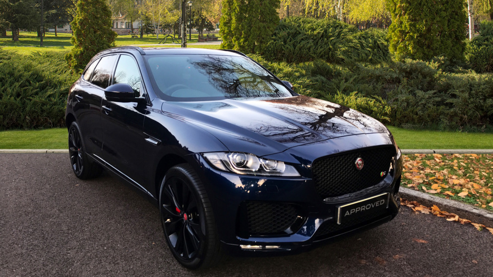 Jaguar F-PACE 3.0d V6 S 5dr AWD - Opening Panoramic Roof - Privacy Glass - Deployable Side Steps -  Diesel Automatic Estate (2018) thumbnail image