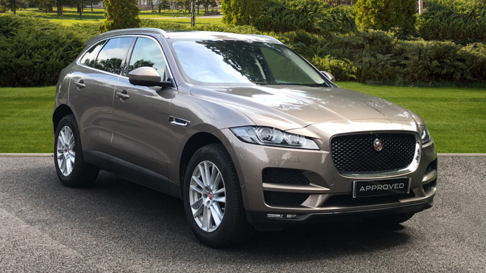 Jaguar F-PACE 2.0d Portfolio 5dr AWD - Privacy Glass  - Sliding Panoramic Roof - Electric Deployable Side Step Diesel Automatic Estate (2017) image