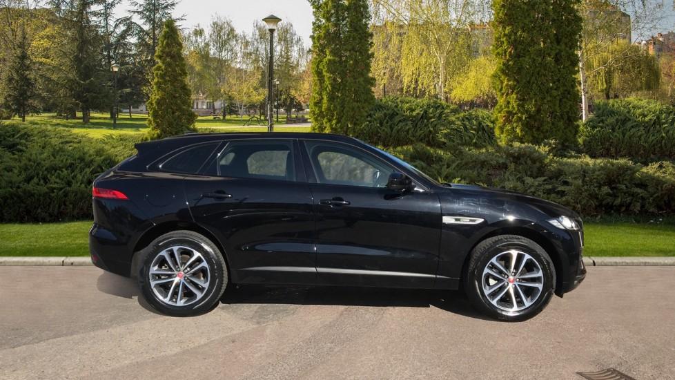 Jaguar F-PACE 2.0d R-Sport 5dr AWD image 5