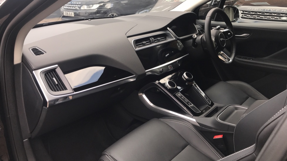 Jaguar I-PACE 294kW EV400 SE 90kWh - Fixed Panoramic Roof - Privacy Glass -  image 29