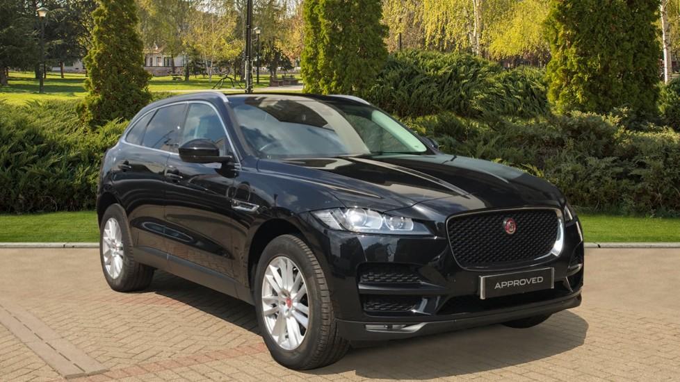 Jaguar F-PACE 2.0d Portfolio 5dr AWD Diesel Automatic 4 door Estate (2018) image
