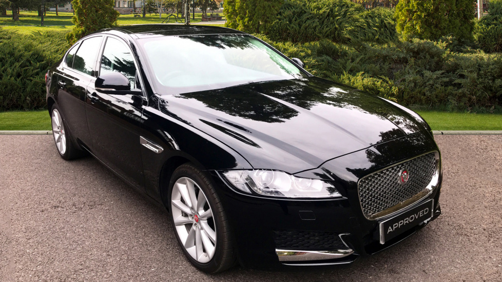Jaguar XF 2.0d [240] Portfolio AWD - Panoramic Roof -  Diesel Automatic 4 door Saloon (2018) image