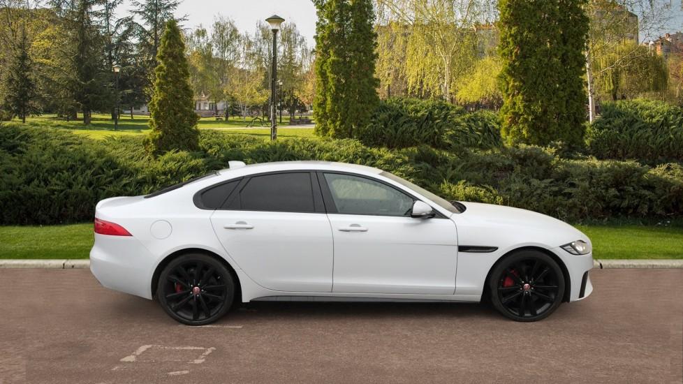 Jaguar XF 3.0d V6 S image 5