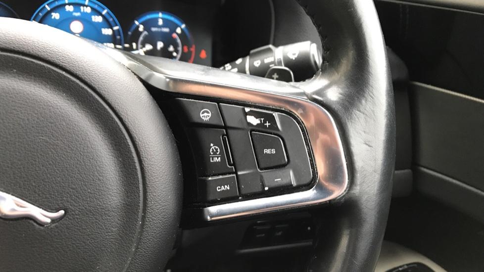 Jaguar XF 3.0d V6 S image 18