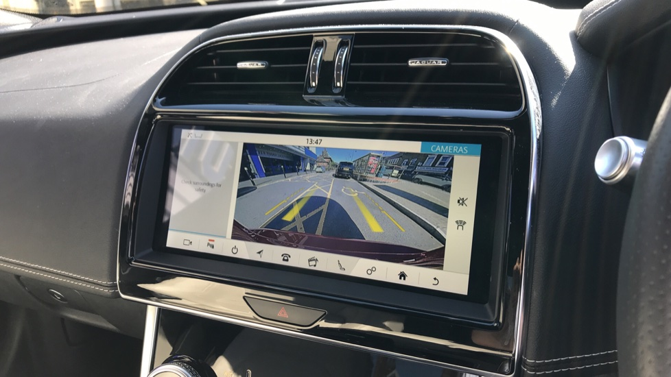 Jaguar XE 2.0d R-Dynamic S with Reverse Camera and Heated Seats image 12
