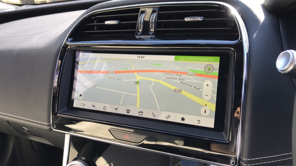 Jaguar XE 2.0d R-Dynamic S with Reverse Camera and Heated Seats image 13