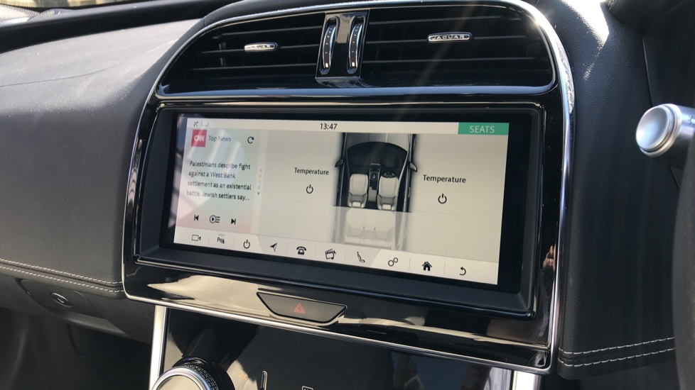 Jaguar XE 2.0d R-Dynamic S with Reverse Camera and Heated Seats image 14