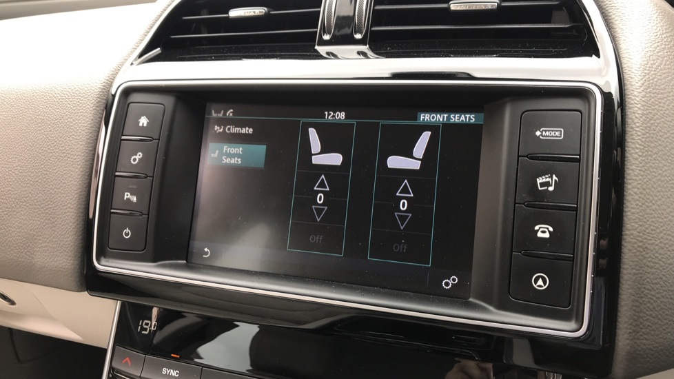 Jaguar XE 2.0d Prestige with Heated Seats and Parking Sensors image 15
