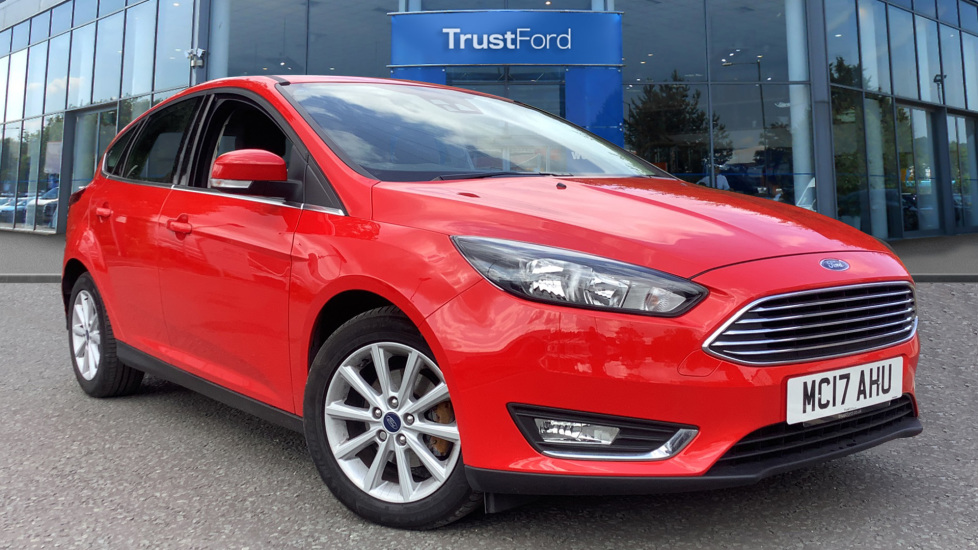 Red Ford Focus >> Ford Focus 2017 Race Red 10 900 Stockport Trustford