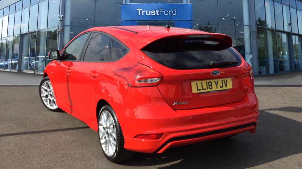Red Ford Focus >> Ford Focus 2018 Race Red 14 000 Alperton Trustford