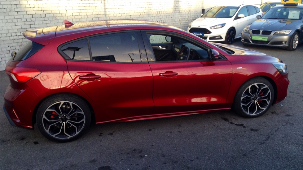 Ford FOCUS 2018 - Ruby Red | £21,390 | TrustFord