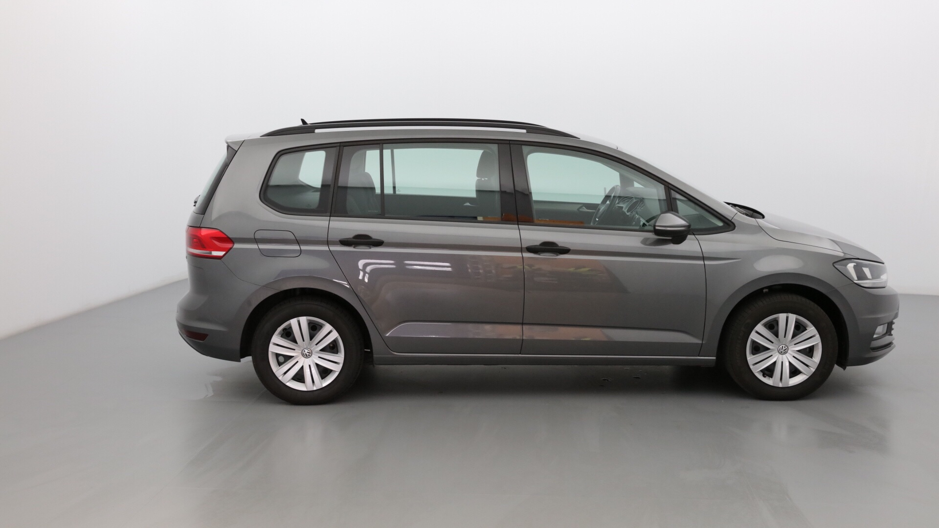 VOLKSWAGEN TOURAN 1.6 TDI 110CH BLUEMOTION TECHNOLOGY FAP TRENDLINE BUSINESS 5 PLACES - Miniature 4