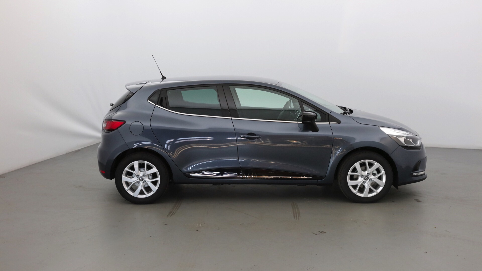 RENAULT CLIO 0.9 TCE 90CH LIMITED 5P - Miniature 4