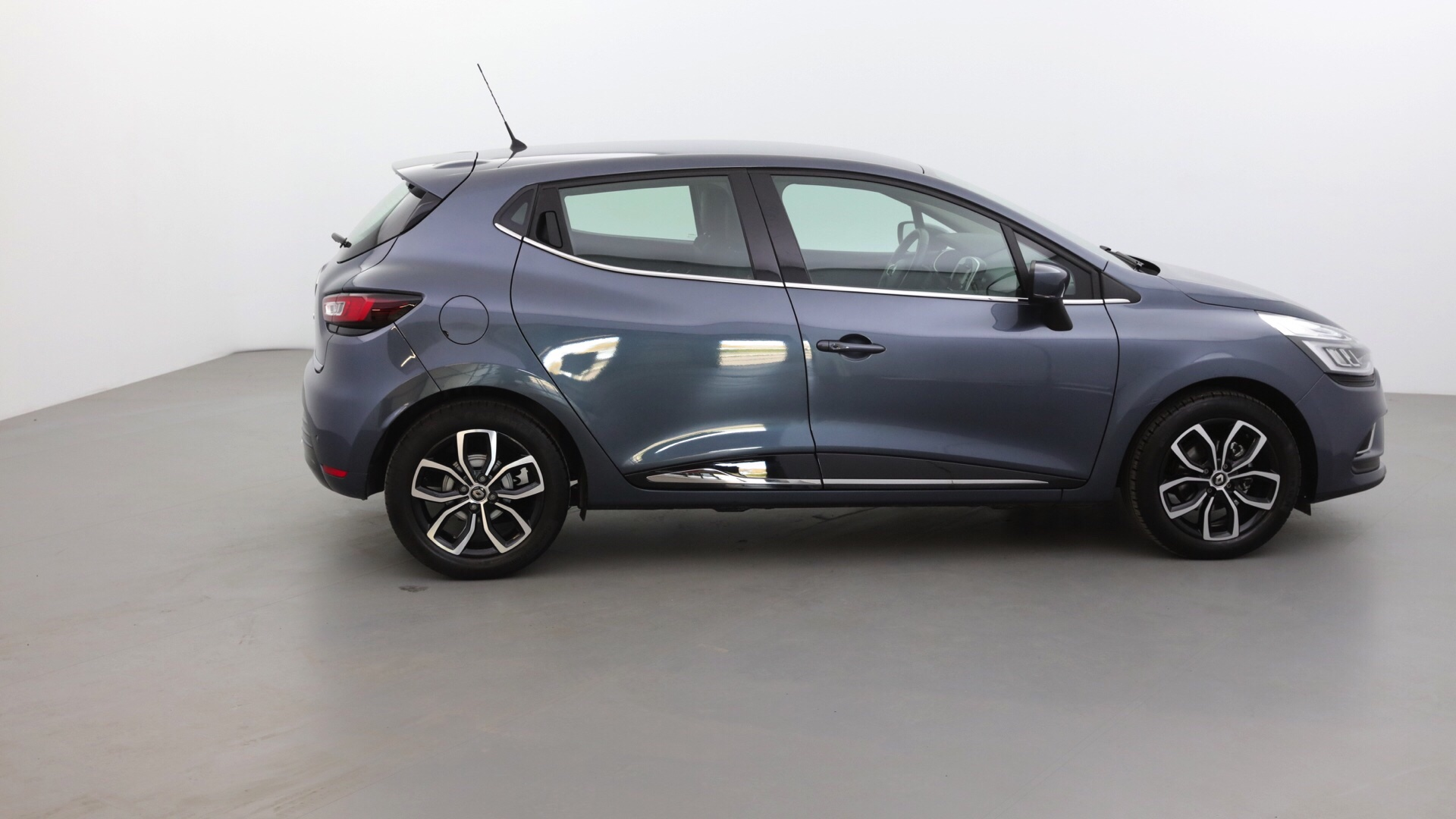 RENAULT CLIO 0.9 TCE 90CH ENERGY INTENS 5P - Miniature 4