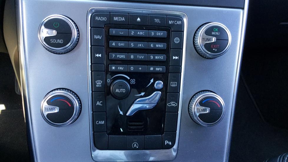 Volvo V60 D2 120cv Momentum  Man 6 Vel.