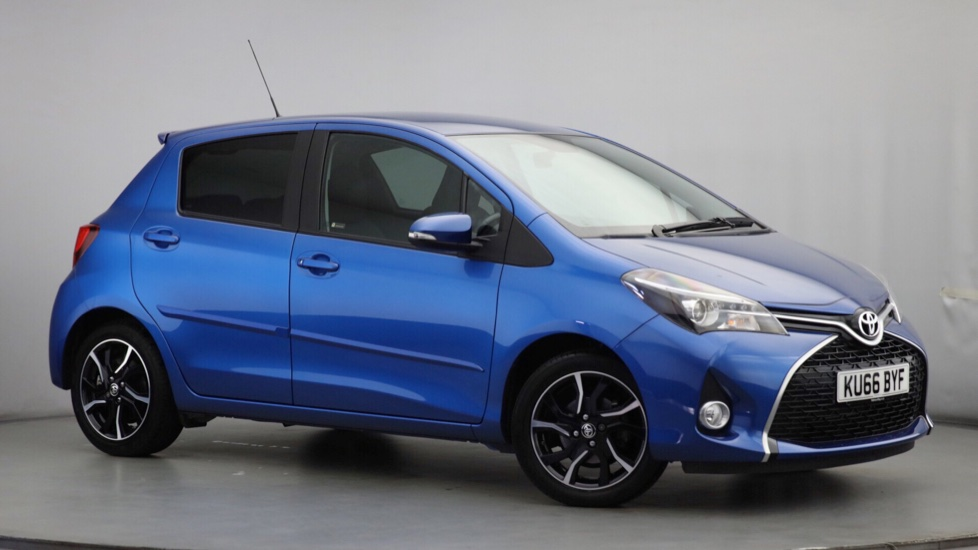 Used Toyota YARIS Hatchback 1.33 VVT-i Design Bi-Tone 5dr