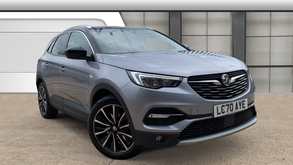 Used Vauxhall Grandland X SUV 1.6 13.2kWh SRi Nav Auto 4WD (s/s) 5dr Hybrid4
