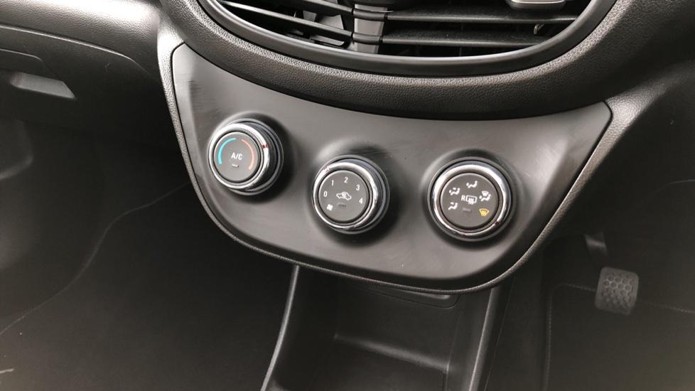 Vauxhall Viva 1.0 SE [A/C] image 18
