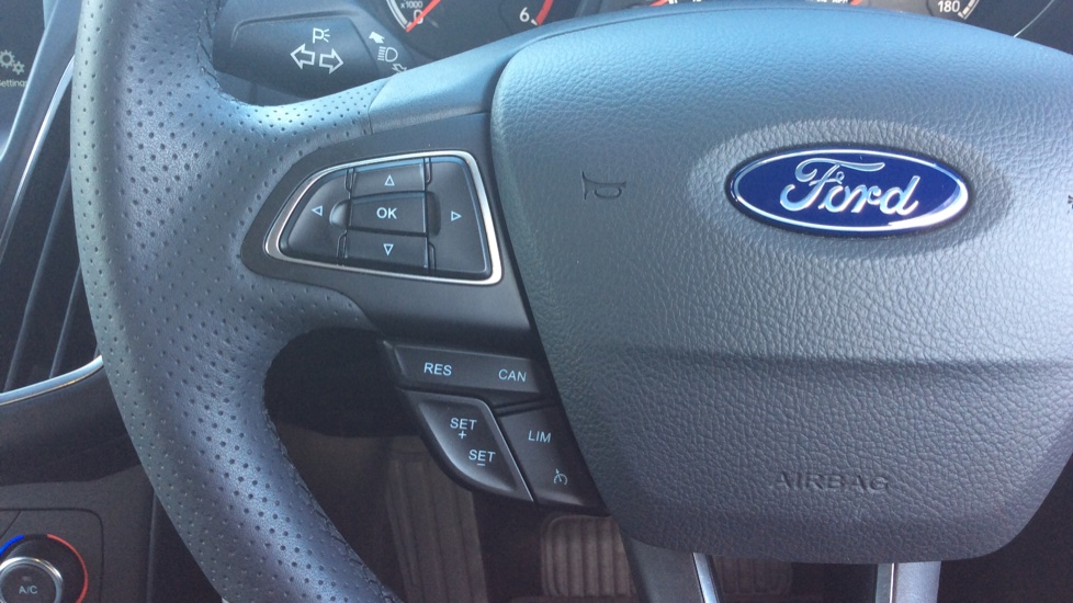 Ford Focus 2.0 TDCi 185 ST-3 5dr image 16