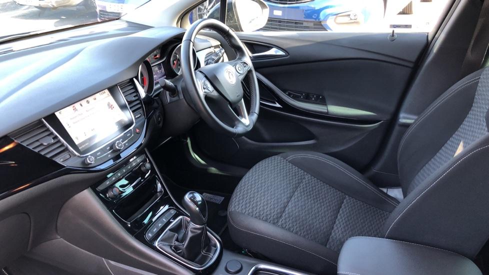 Vauxhall Astra 1.6 CDTi 16V 136 SRi Nav 5dr image 3