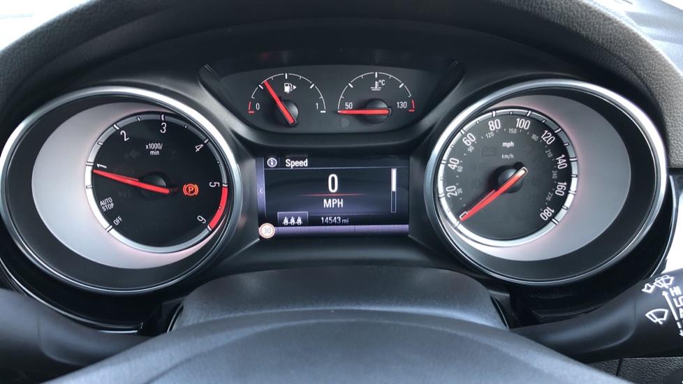 Vauxhall Astra 1.6 CDTi 16V 136 SRi Nav 5dr image 15