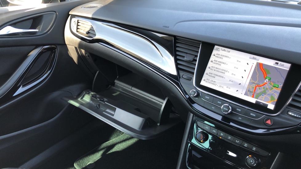 Vauxhall Astra 1.6 CDTi 16V 136 SRi Nav 5dr image 25