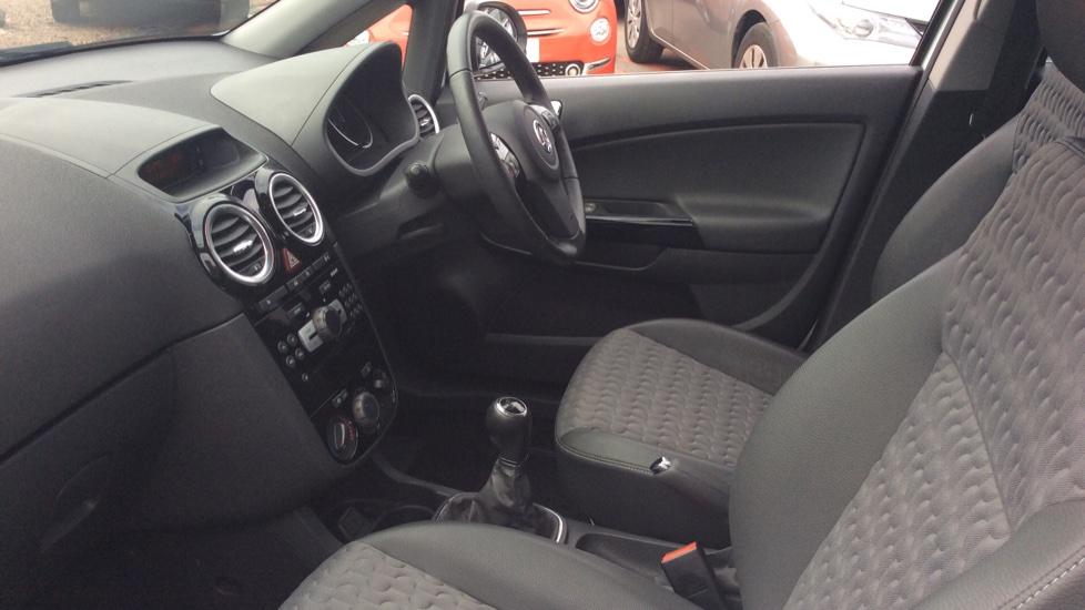 Vauxhall Corsa 1.4 SE 5dr image 3