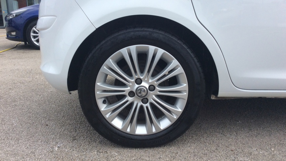 Vauxhall Corsa 1.4 SE 5dr image 8