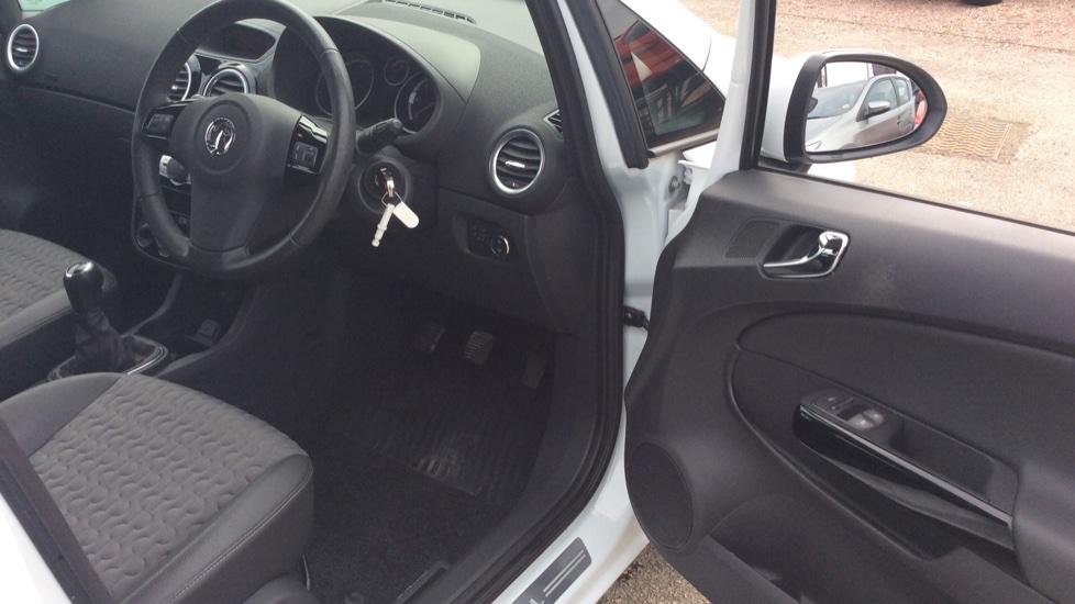 Vauxhall Corsa 1.4 SE 5dr image 12