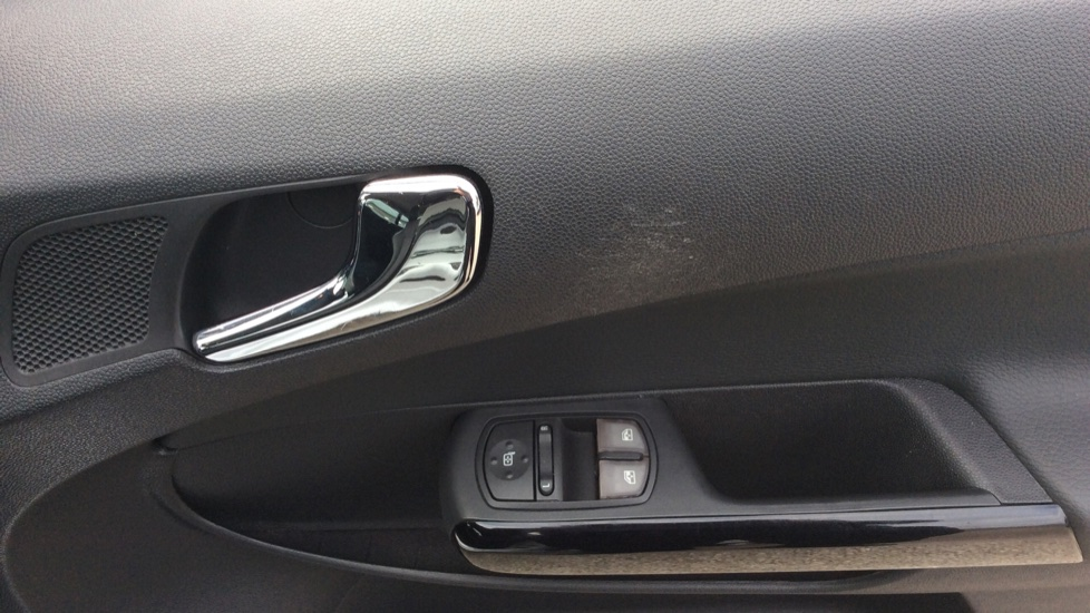 Vauxhall Corsa 1.4 SE 5dr image 13