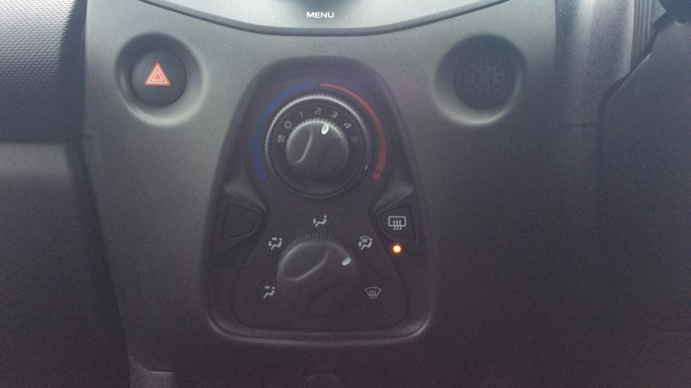 Peugeot 108 1.0 Access 3dr image 15