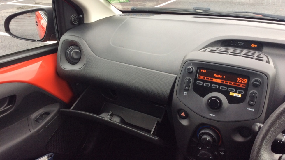 Peugeot 108 1.0 Access 3dr image 18