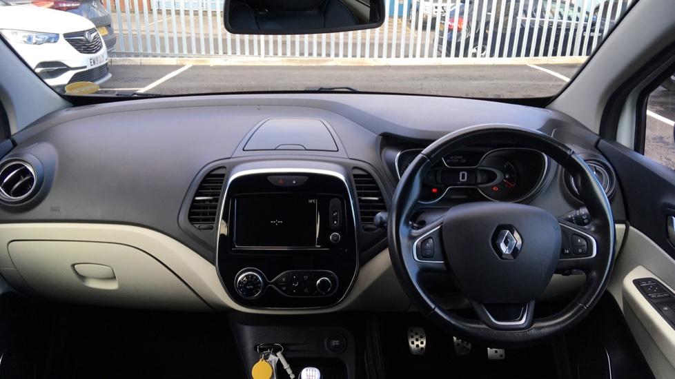 Renault Captur 1.5 dCi 110 Signature X Nav 5dr image 9