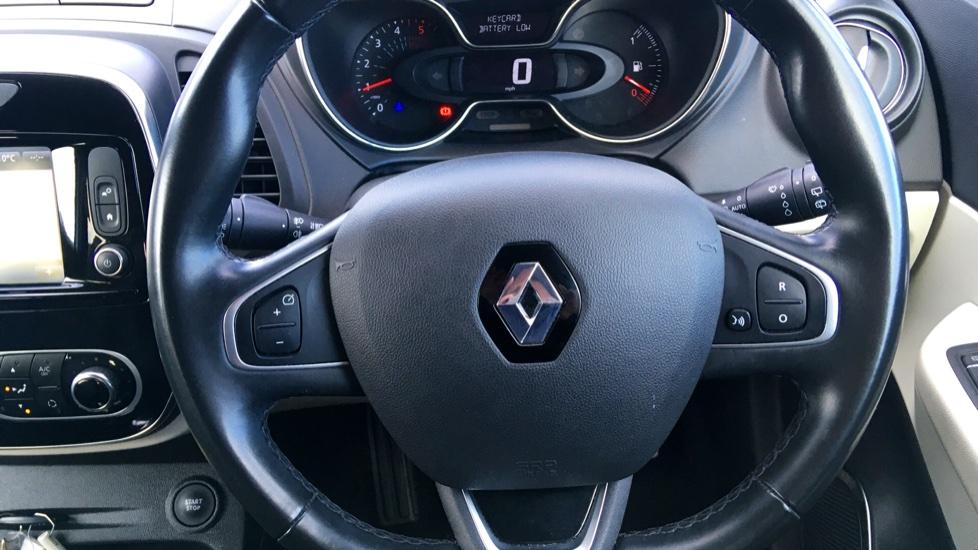 Renault Captur 1.5 dCi 110 Signature X Nav 5dr image 14