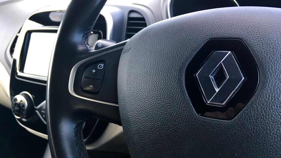 Renault Captur 1.5 dCi 110 Signature X Nav 5dr image 15