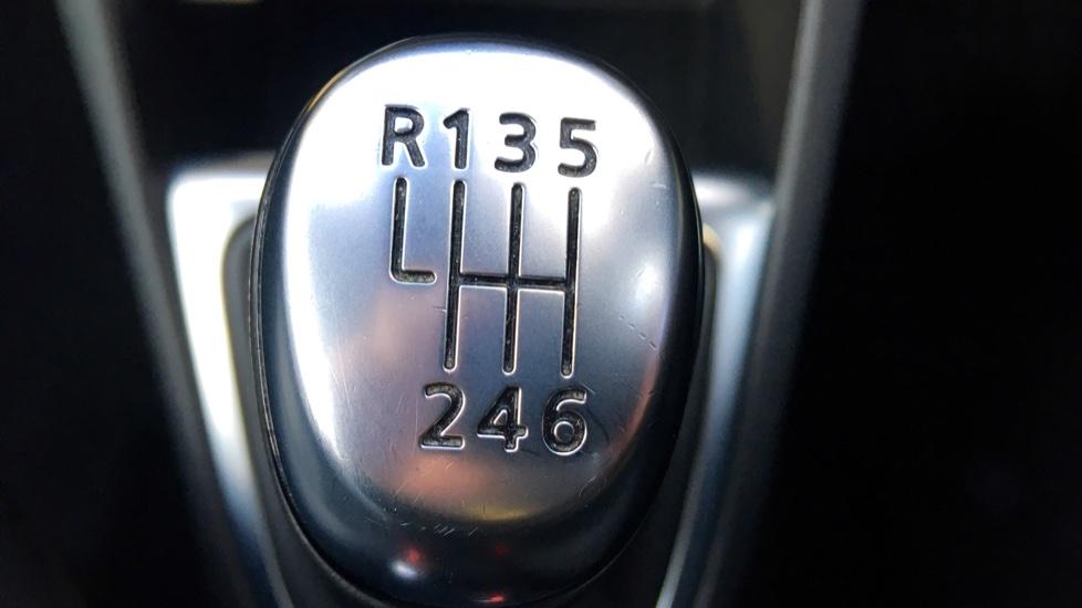Renault Captur 1.5 dCi 110 Signature X Nav 5dr image 26