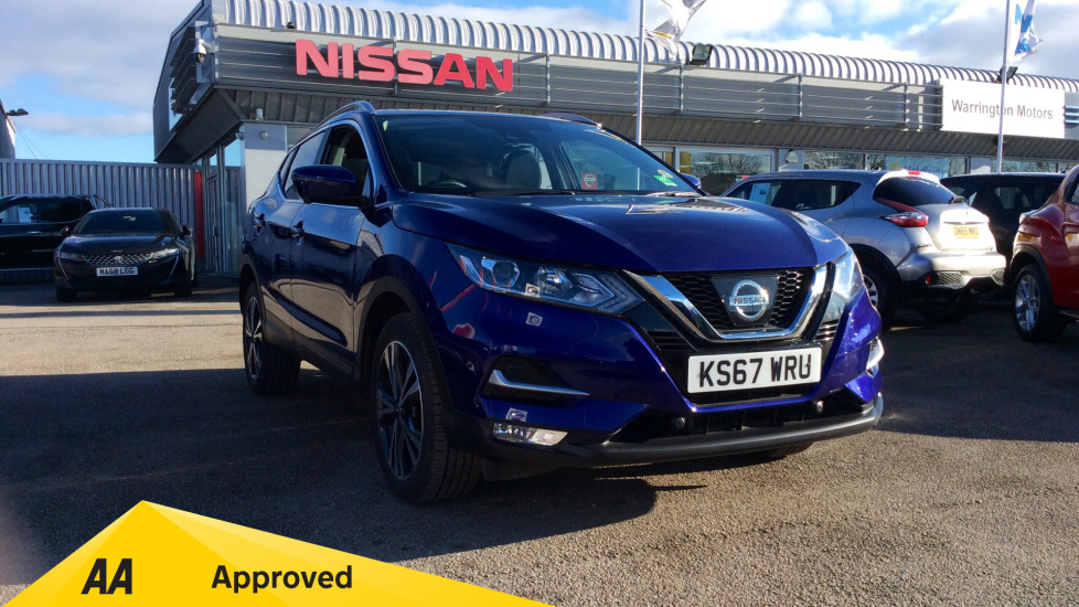 Nissan Qashqai 1.6 DiG-T N-Connecta 5dr Hatchback (2017) available from Bolton Motor Park Abarth, Fiat and Mazda thumbnail image
