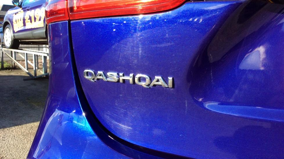 Nissan Qashqai 1.6 DiG-T N-Connecta 5dr image 10