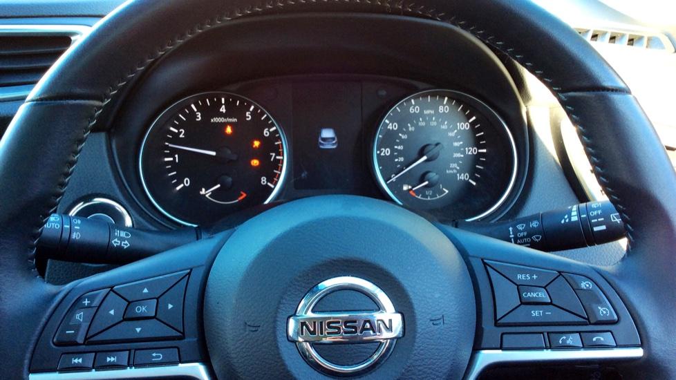 Nissan Qashqai 1.6 DiG-T N-Connecta 5dr image 15
