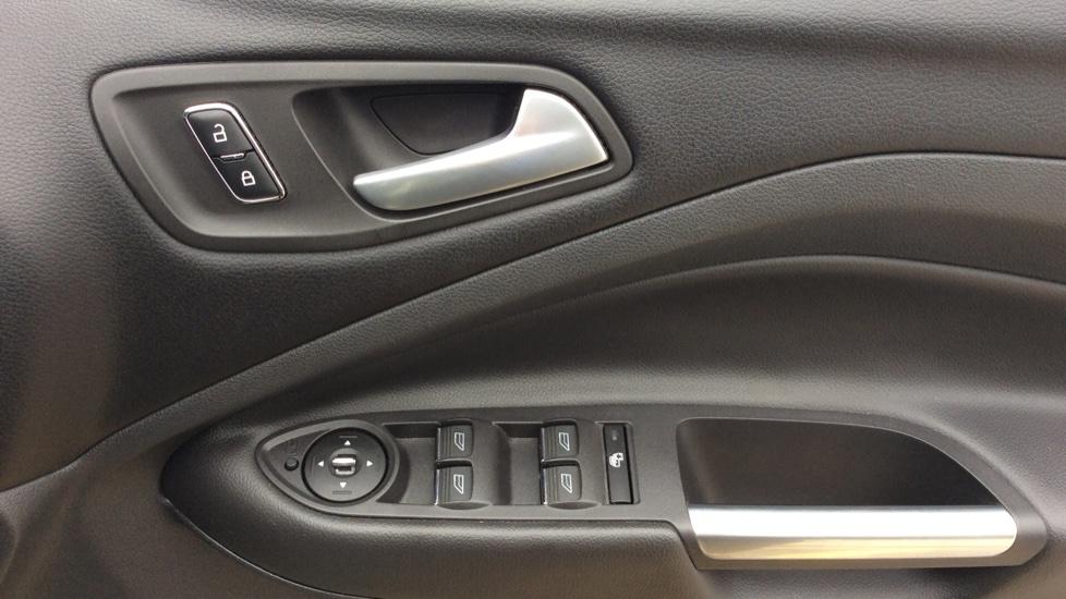 Ford Kuga 2.0 TDCi Titanium 5dr 2WD image 12