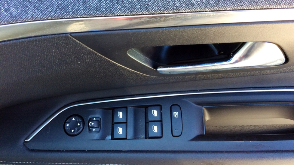 Peugeot 3008 1.6 PureTech 180 Allure EAT8 image 11