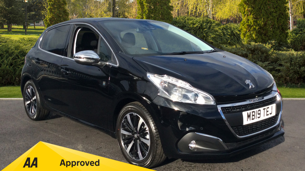 Peugeot 208 1.2 PureTech 82 Tech Edition 5dr [Start Stop] - GREAT SAVING Hatchback (2019) image