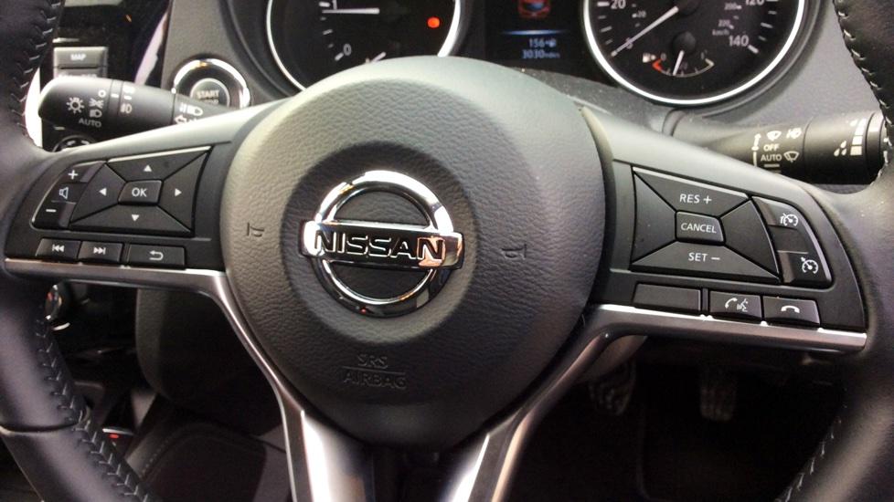 Nissan Qashqai 1.5 dCi N-Connecta 5dr image 12